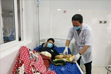 Bệnh viện Đa khoa vùng Tây Nguyên tiếp nhận nhiều trường hợp thương tích nặng do tai nạn pháo nổ