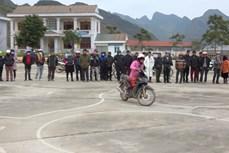 Bình Thuận dạy và cấp bằng lái xe mô tô A1 cho đồng bào dân tộc thiểu số không biết tiếng Việt
