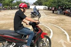Ninh Thuận cấp bằng lái xe mô tô hạng A1 cho đồng bào dân tộc thiểu số không biết đọc tiếng Việt