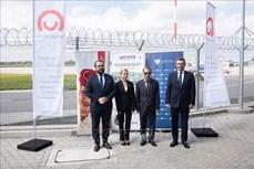 Dịch COVID-19: Bộ Y tế tiếp nhận hơn 500.000 liều vaccine AstraZeneca của Chính phủ Ba Lan