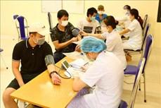 Không đo huyết áp tất cả người tiêm vaccine COVID-19