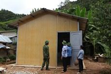 Hàng trăm hộ nghèo vùng biên giới huyện Mường Tè được hỗ trợ làm nhà ở