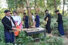 Tái hiện Lễ cúng thần rừng đầu nguồn của đồng bào dân tộc Mông