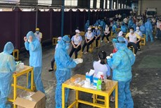 Hơn 3.500 công nhân Thành phố Hồ Chí Minh ngừng việc để phòng dịch COVID-19