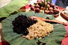 首都河内再现端午节期间的传统习俗