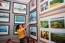 """广治省举行""""黄沙、长沙归属越南—历史证据和法律依据""""流动展览"""