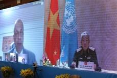 越南国防部副部长阮志咏与联合国副秘书长哈雷通电话