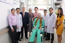 新冠肺炎疫情:英国籍飞行员治愈出院