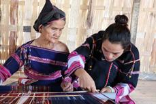 巴那族妇女的织锦之美