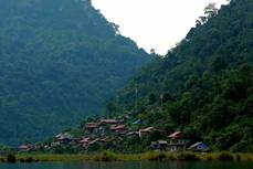 北件省薄外村积极发展旅游业实现脱贫