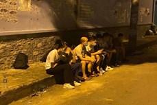 胡志明市暂时拘留11名非法入境的外国人