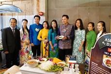 东盟各国美食推介活动是泰国居民品尝东盟各国特色美食的良好机会