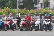 新冠肺炎疫情:胡志明市对841名在公共场所不佩戴口罩者进行处罚
