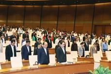 越南第十四届国会第十次会议:越南被誉为世界上防疫战争中的引航灯塔和经济增长中的亮点