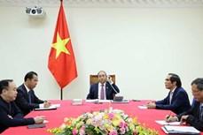 ASEAN 2020:政府总理阮春福与老挝总理通伦·西苏里通电话