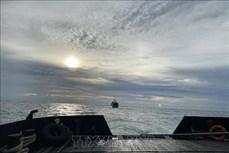 越南海军189潜艇旅成功营救在海上遇险的俄罗斯苏克尔货船