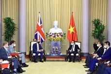 越南国家主席阮春福:推动越南与英国战略伙伴关系深入、高效、务实发展