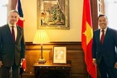 英国外交部亚洲事务国务大臣对越英关系的长足发展感到高兴