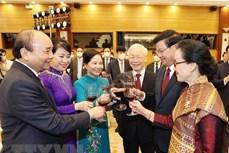 越南与老挝发表联合声明