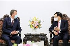 越南政府副总理范平明会见澳大利亚贸易、旅游和投资部长