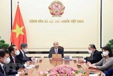 越南国家主席阮春福与罗马尼亚总统约翰尼斯通电话
