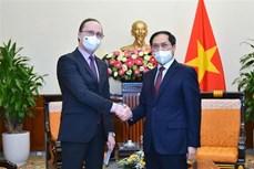 俄罗斯愿意向越南提供和转让新冠疫苗生产技术