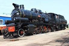 乘坐火车旅游专列观赏越南美景新体验