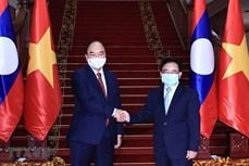 越南国家主席阮春福会见老挝总理和前党、国家领导人