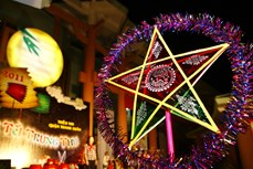 """""""灯笼点亮梦想""""活动为儿童们带来一个温暖的中秋节"""