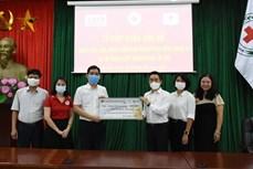 李氏三明治连锁店和在美越南人捐款支持胡志明市抗疫