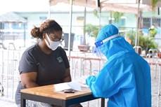 胡志明市为因新冠疫情处境困难的外国人提供援助