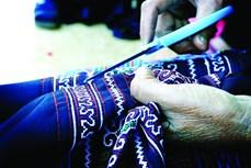 Nghề dệt thổ cẩm của phụ nữ Mông ở Mù Cang Chải