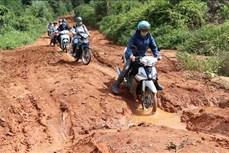 Gia Lai: Ngược đèo cõng chữ về làng Đê Kôn