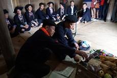 """Lễ """" Giải hạn – Nối số"""" của người Mông"""