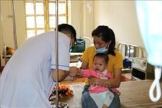 Yên Bái: bệnh nhi nhập viện tăng cao lúc giao mùa