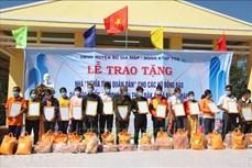 """Trao nhà """"Tình nghĩa quân-dân"""" tặng đồng bào dân tộc thiểu số nghèo vùng biên giới tỉnh Bình Phước"""