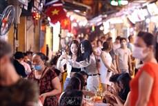 Từ 17h ngày 3/5, Hà Nội dừng hoạt động quán ăn, uống đường phố, trà đá, cà phê vỉa hè để chống dịch COVID-19