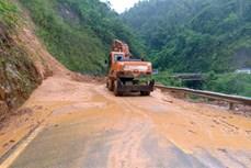 Lai Châu sạt núi chia cắt nhiều tuyến đường giao thông