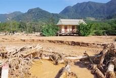 Mưa do ảnh hưởng bão số 8 khiến việc cứu trợ gặp khó khăn ở Quảng Trị