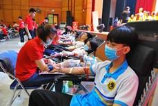 Tham gia hiến máu vì Tết Trung thu đoàn viên cho bệnh nhi cần máu