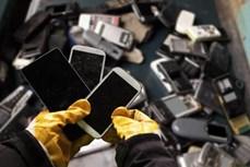 """Độc đáo dự án """"tái chế"""" điện thoại cũ tại Pháp"""