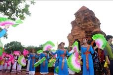 Rộn ràng Lễ hội Katê 2020 của đồng bào Chăm tại Bình Thuận