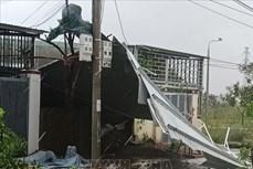 Bão số 9: Đà Nẵng có gió giật mạnh, mưa to, gió thổi bay, nhiều bảng biển quảng cáo