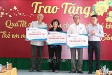 Chủ tịch Quốc hội Nguyễn Thị Kim Ngân dự lễ trao tặng quà Tết cho gia đình chính sách, hộ nghèo tỉnh Bến Tre