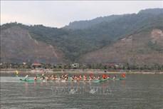 Lễ hội đua thuyền đuôi én - không gian văn hóa đậm đặc nét Thái cổ ở Mường Lay
