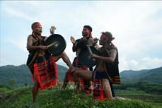 Nghệ nhân Ưu tú Hồ Văn Biên - Người giữ hồn chiêng, dân vũ nơi đại ngàn đất quế Trà Bồng