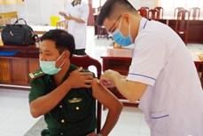Dịch COVID-19: Có thêm hơn 9.100 người được tiêm vaccine phòng bệnh
