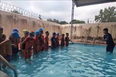 Kon Tum nâng cao hiệu quả của các hồ dạy bơi trong trường học