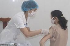 Việt Nam đã có 585.539 người được tiêm vaccine phòng COVID-19