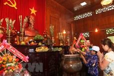 Kỷ niệm Ngày sinh Chủ tịch Hồ Chí Minh: Dâng hoa, hương tưởng niệm Bác tại Khu Di tích Kim Liên